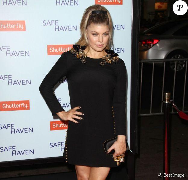 Fergie pose à la première du film Safe Haven au Chinese Theatre de Los Angeles, le 5 février 2013.