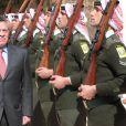 Rania et le roi Abdullah II de Jordanie se sont recueillis le 7 février 2013 à la mémoire de feu le roi Hussein, pour le 14e anniversaire de sa mort, au cimetière royal d'Amman.
