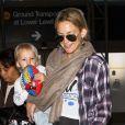 Kate Hudson, son fils Ryder, son fiancé Matthew Bellamy et leur fils Bingham, à l'aéroport de Los Angeles, le 9 février 2013.