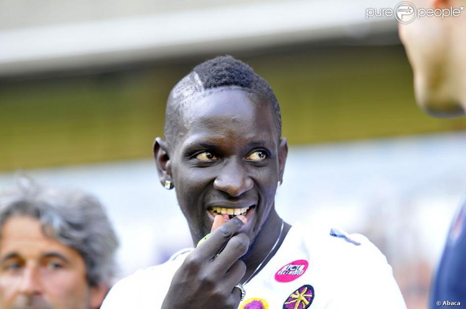 Mamadou lors du match entre le Paris Saint-Germain et Valencienne au Parc des Princes à Paris le 21 août 2011