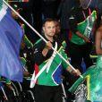 Oscar Pistorius, porte-drapeau de la délégation sud-africaine lors des Jeux paralympiques de Londres le 29 août 2012