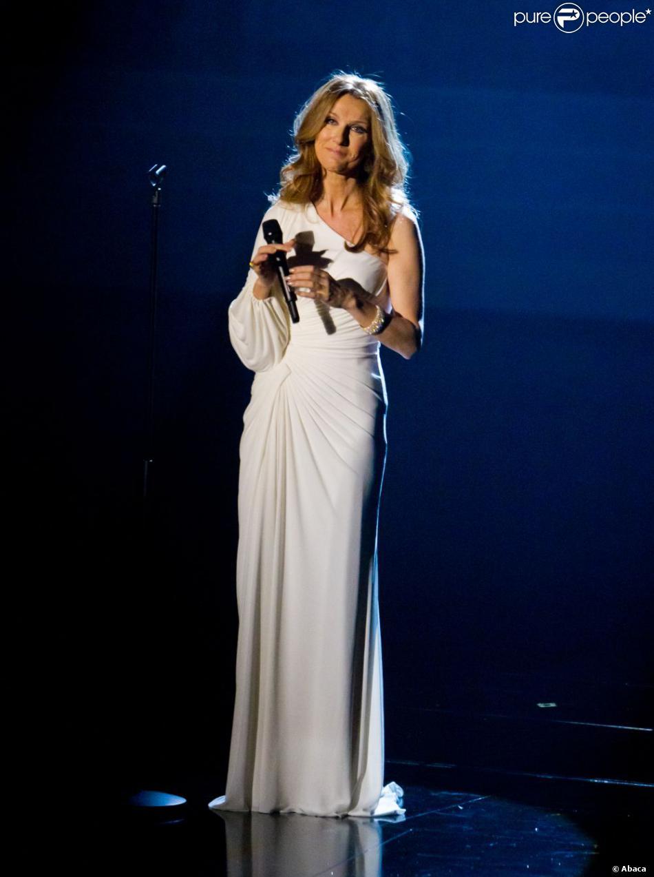 Céline Dion en représentation sur la scène du Colosseum du Caesars Palace à Las Vegas, le 15 mars 2011.
