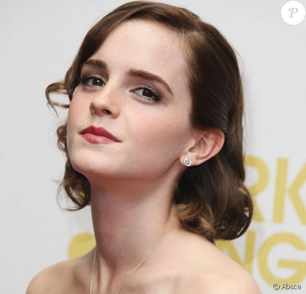 Emma Watson lors de la première du film Le Monde de Charlie au Mayfair Hotel, Londres, le 26 septembre 2012.