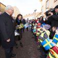 Carl XVI Gustaf de Suède et la reine Silvia en visite dans la ville de Oskarshamn, dans le comté de Kalmar, à l'occasion du jubilé du roi, le 5 mars 2013.