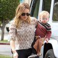 Hilary Duff emmène son jeune fils Luca à l'école à Sherman Oaks, le 6 mars 2013.