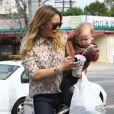 Hilary Duff emmène son fils Luca à l'école à Sherman Oaks, le 6 mars 2013.