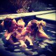 Le 6 mars, Hilary Duff a posté une photo d'elle et de son fils Luca dans un jacuzzi.