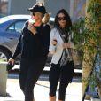 Demi Moore et une amie dans les rues de Sherman Oaks à Los Angeles, le 21 janvier 2013.