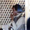 Carole Middleton et sa fille Pippa Middleton ont fait une pause gourmande au restaurant Comptoir Libanais. A Londres, le 5 mars 2013. Apparemment, la jeune femme se régale.