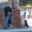 """Exclusif - Journée entre frères pour Maddox et Pax, les enfants de Brad Pitt et Angelina Jolie. Ils sont allés au magasin """"Sky High Sports"""" puis dans un restaurant vietnamien dans le quartier de Woodland Hills, à Los Angeles, le 9 mars 2013."""