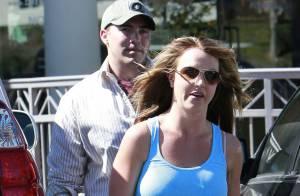 Britney Spears : Sereine en débardeur et minishort face au scandale des hackers