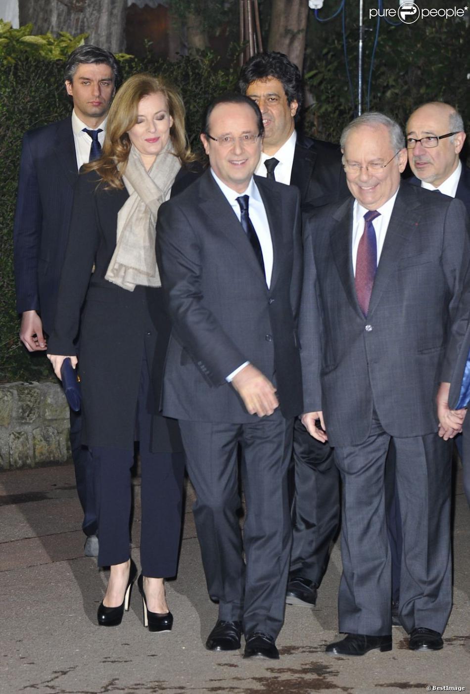 François Hollande et Valerie Trierweiler lors du 28eme dîner annuel du Crif au Pavillon d'Armenonville à Paris le 20 mars 2013.