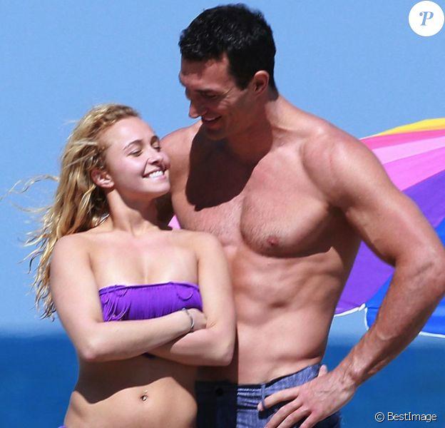 Exclu : Hayden Panettiere et son beau fiancé Wladimir Klitschko sur une plage de Miami, le 30 mars 2013.