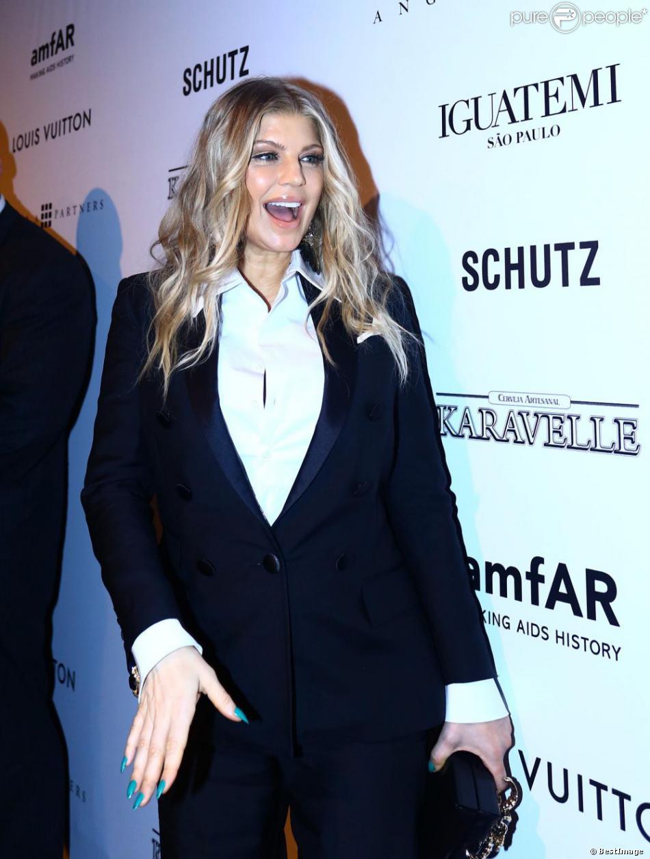 La chanteuse Fergie enceinte au Gala de l'amfAR à Sao Paulo au Brésil le 5 avril 2013.