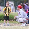 Britney Spears est allée voir ses fils Jayden et Sean Preston à leur match de football à Woodland Hills, le 14 avril 2013. Son ex-mari Kevin Federline était aussi présent.