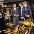 Le prince Albert II de Monaco visitait le 18 avril 2013 le 10e salon Top Marques au Forum Grimaldi.