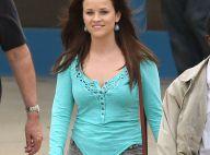Reese Witherspoon : Brune et mince au soleil, elle confie son fils à son ex
