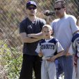Ryan Phillippe emmène son fils Deacon à un match de football à Brentwood, le 20 avril 2013.