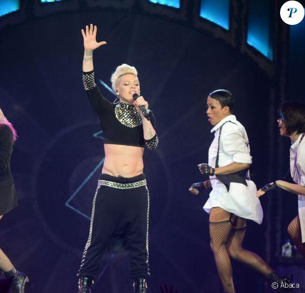 Pink lors de son concert à l'O2 Arena de Londres, le 24 avril 2013.