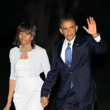 <p>Barack Obama et sa femme Michelle Obama rentrent à Washington après avoir assisté à l'inauguration du George W. Bush Presidential Library à Dallas au Texas, le 25 avril 2013.</p> <p></p>
