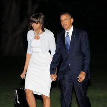 <p>Barack Obama et son épouse Michelle Obama rentrent à Washington après avoir assisté à l'inauguration du George W. Bush Presidential Library à Dallas au Texas, le 25 avril 2013.</p> <p></p>