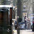 """Exclusif - Kate Winslet est sur le tournage du film """"A Little Chaos"""" dans le Surrey le 23 avril 2013"""