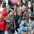 Robert Redford et sa femme Sibylle Szaggars se promènent dans les rues de Paris, le 28 avril 2013 et notamment le quartier de Montmartre