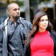 Après un rapide séjour en Grèce, Kim Kardashian retrouve son chéri Kanye West à Paris et dévalisait les boutiques de luxe du VIIIe arrondissement. Le 30 avril 2013.