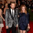 Stella McCartney et son mari Alasdhair Willis assistent au gala Punk: Chaos to Couture du Costume Institute au Metropolitan Museum of Art. New York, le 6 mai 2013.