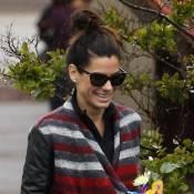 Sandra Bullock : Maman gâtée par son petit Louis, fan de Superman !