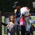 Halle Berry (enceinte) avec Nahla à Los Angeles, le 10 mai 2013.