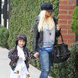 Christina Aguilera, son compagnon Matthew Rutler et son fils Max Bratman sont allés dejeuner au restaurant Houston à Santa Monica. Le 8 décembre 2012.
