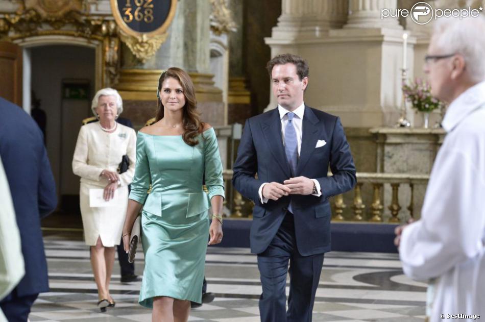 La princesse Madeleine de Suède et son fiancé Chris O'Neill au palais royal à Stockholm le 19 mai 2013 lors de la réception organisée à l'occasion de la publication de leurs bans, à trois semaines de leur mariage le 8 juin.