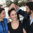"""Bérénice Bejo, Tahar Rahim et Pauline Burlet lors du photocall du film """"Le Passé"""" au 66e Festival International du Film de Cannes le 17 mai 2013"""