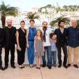 "Sabrina Ouazani, Bérénice Bejo, Tahar Rahim, Elyes Aguis, Jeanne Jestin, Pauline Burlet, Asghar Farhadi lors du photocall du film ""Le Passé"" au 66e Festival International du Film de Cannes le 17 mai 2013"