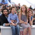 """Jeanne Jestin, Bérénice Bejo, Tahar Rahim et Elyes Aguis au photocall du film """"Le Passé"""" lors du 66e Festival International du Film de Cannes le 17 mai 2013"""