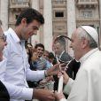 La star du tennis Juan Martin Del Potro rencontre le pape François au Vatican le 15 mai 2013.