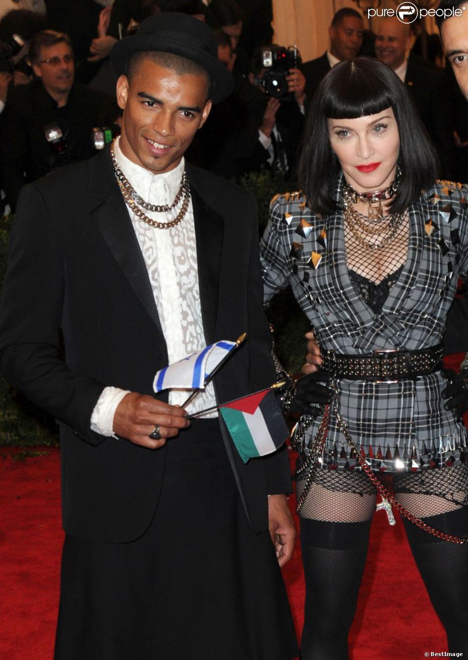 Madonna et Brahim Zaibat au MET Ball 2013, au Metropolitan Museum of Art, à New York le 6 mai 2013.