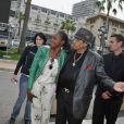 Exclu - Joe Jackson entouré d'admirateurs de Michael Jackson à Monaco, le 27 mai 2013.