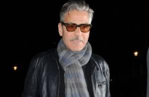 George Clooney dit stop aux rumeurs : Il ne tenait pas la main d'une femme