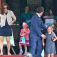 Ben Affleck et Jennifer Garner avec leurs deux filles Violet et Seraphina quittent le Star Eco Station Environmental Education de Los Angeles, le 1er juin 2013.
