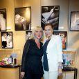 Dominique Serra et Magali Ranieri à l'exposition Ecris-moi des mots d'Amour, par Alejandra di Andia, photos de Ian Abela, à la boutique Montblanc, le 4 juin 2013.