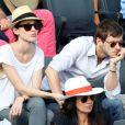 Gaspard Ulliel et son amie lors du onzième jour des Internationaux de France à Roland-Garros, le 5 juin 2013