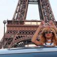 Rihanna en visite sur l'esplanade du Trocadéro avant son concert au Stade de France, le 7 juin 2013.