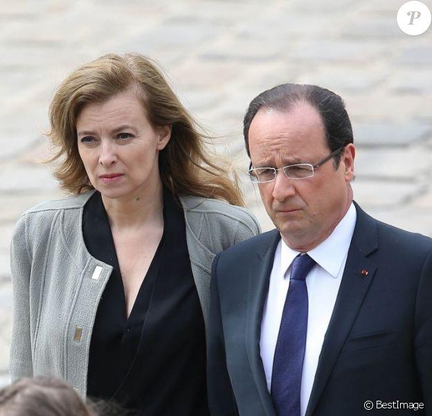 Valérie Trierweiler et Francois Hollande lors de l'hommage de la Nation à Pierre Mauroy, le 11 juin 2013 aux Invalides à Paris