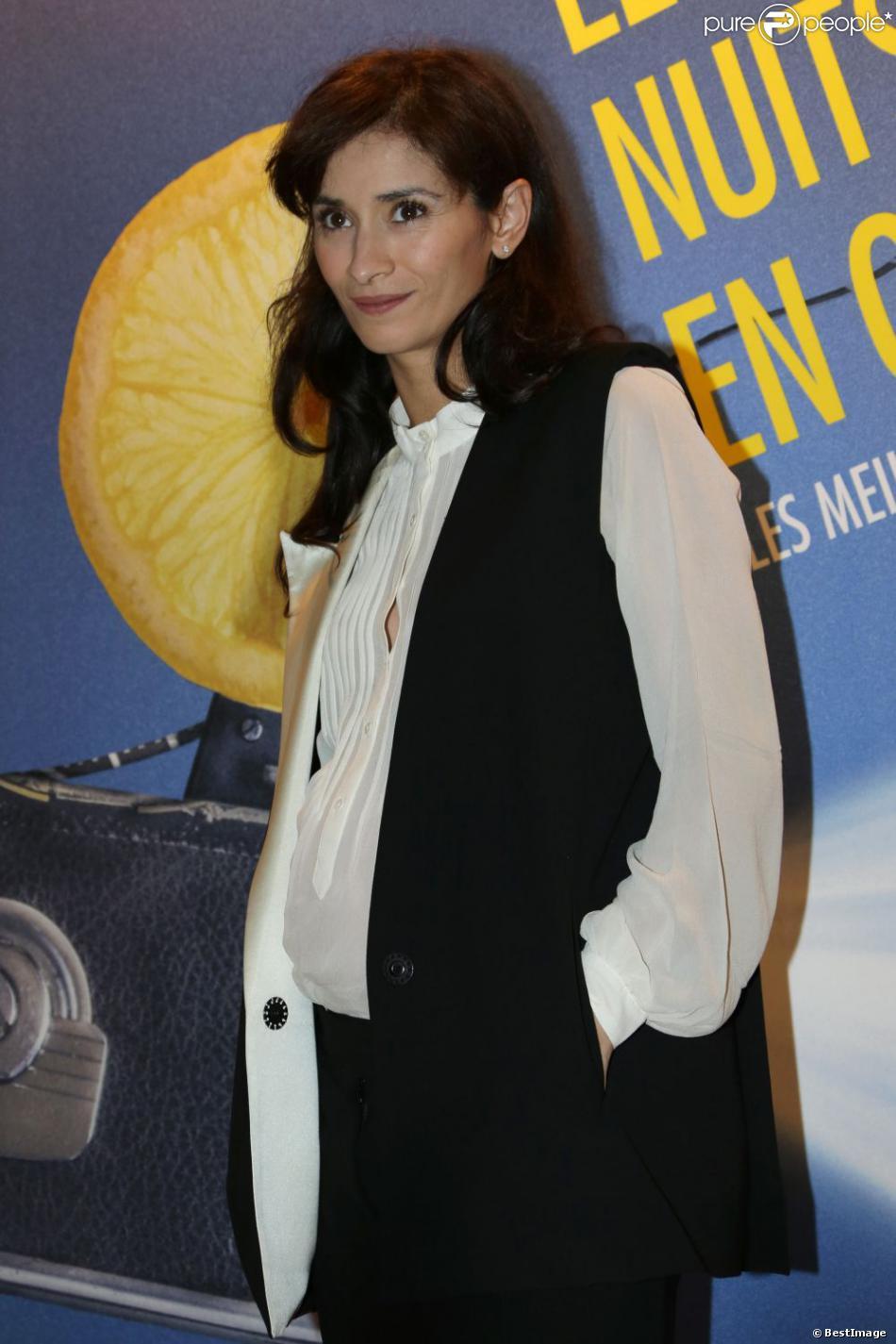 """Rachida Brakni affiche ses premières rondeurs de femme enceinte, lors du dîner de gala """"Les Nuits en Or 2013 - Le Panorama"""" à l' UNESCO à Paris, le 17 juin 2013."""