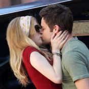 Anna Kendrick: Look sexy et baiser fougueux avec un beau gosse en plein tournage