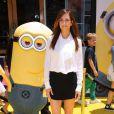 Kristen Wiig ravissante au côté d'un Minion à la première de Moi, moche et méchant 2 à Los Angeles, le 22 juin 2013.