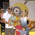 Mark Wilkerson, Tucker, Brady, Mason et Melissa Joan Hart à la première de Moi, moche et méchant 2 à Los Angeles, le 22 juin 2013.