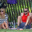Heidi Klum, son petit ami Martin Kirsten et ses enfants Leni et Henry se détendent dans un parc à New York, le 30 juin 2013.